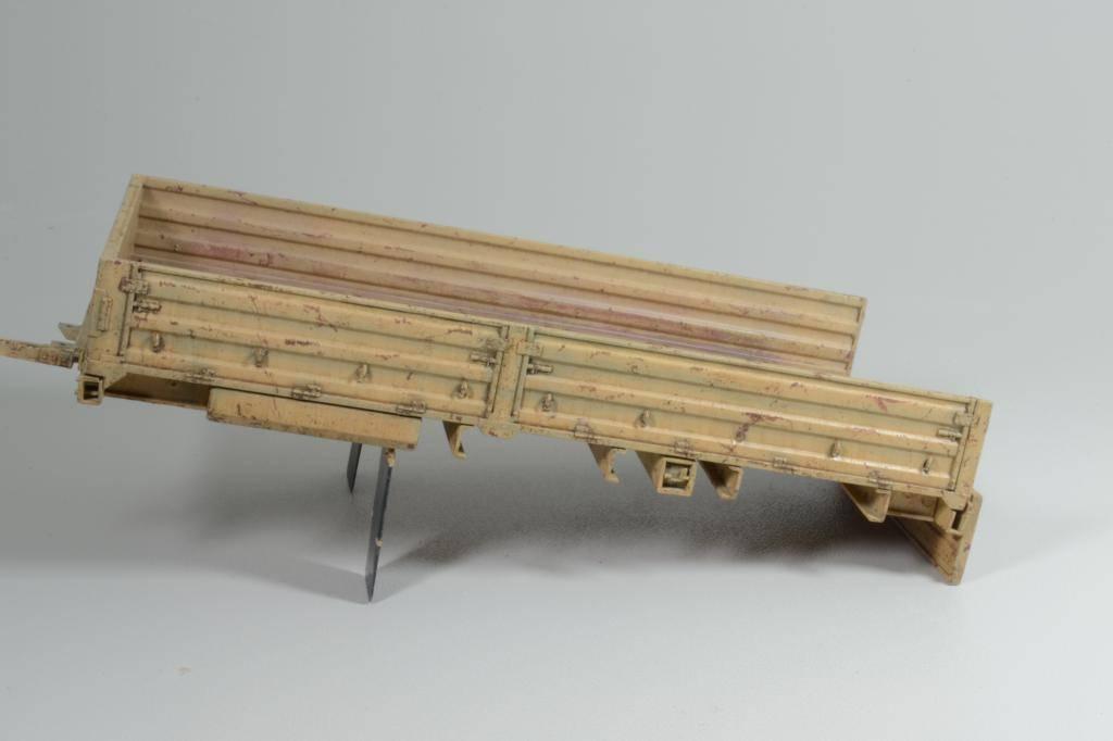 M1083 cabine blindée [Trumpeter, 1/35] - Page 3 DSC_0237_zpsdf619efa
