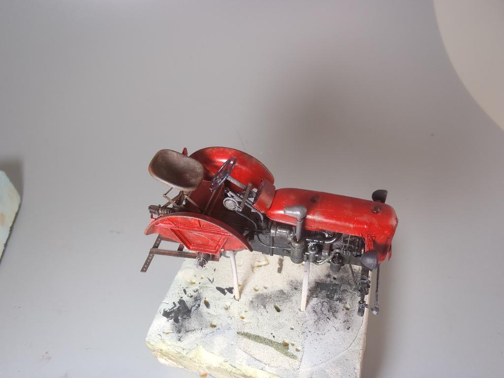 Conversion tracteur Zetor 25 en tracteur blindé - SKP Models 1/35 P3240509_zpsyjnwiczk