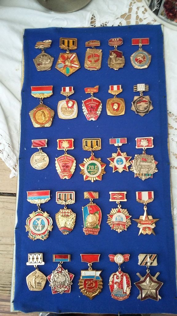 Russian Medal/ Badges anyone know anything about these? 2015-06-13%2012.11.19_zpsmg3q6zi8