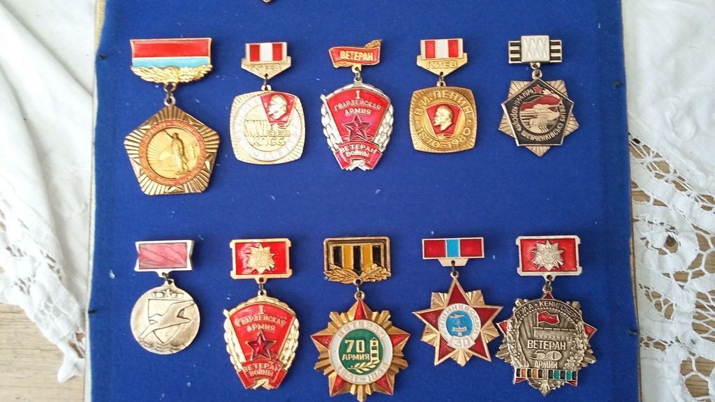 Russian Medal/ Badges anyone know anything about these? 2015-06-13%2012.11.54_zps1ppvqwkh