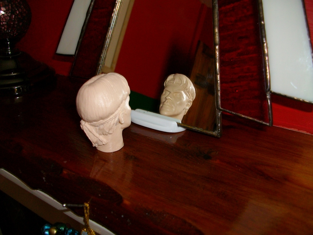 Latest headsculpt project Sgt Elias K Grodin (Platoon) Hawkeye%20Keyring%20008_zpsgz2qoe09