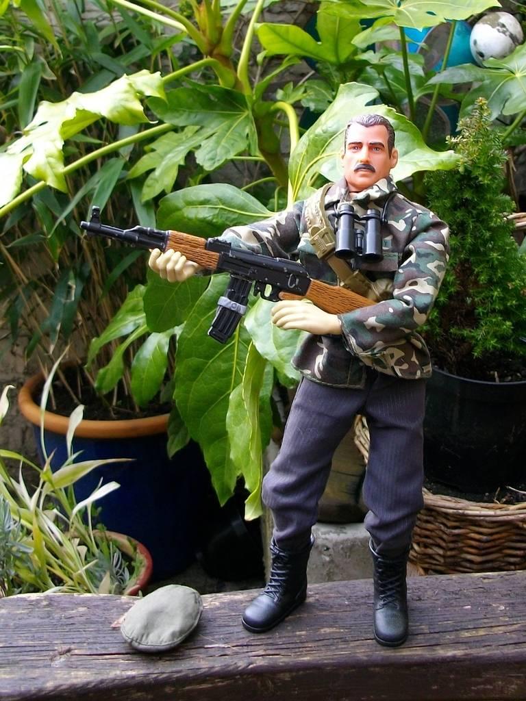 Bravo Two Zero kitbash with Sean Bean - Page 2 Republican%20guard%20014_zpsjyylw1zg