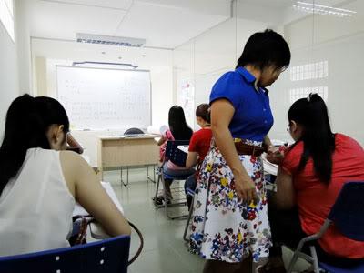 Khai giảng lớp đàm thoại sơ trung cấp tại Top Globis Giao-vien
