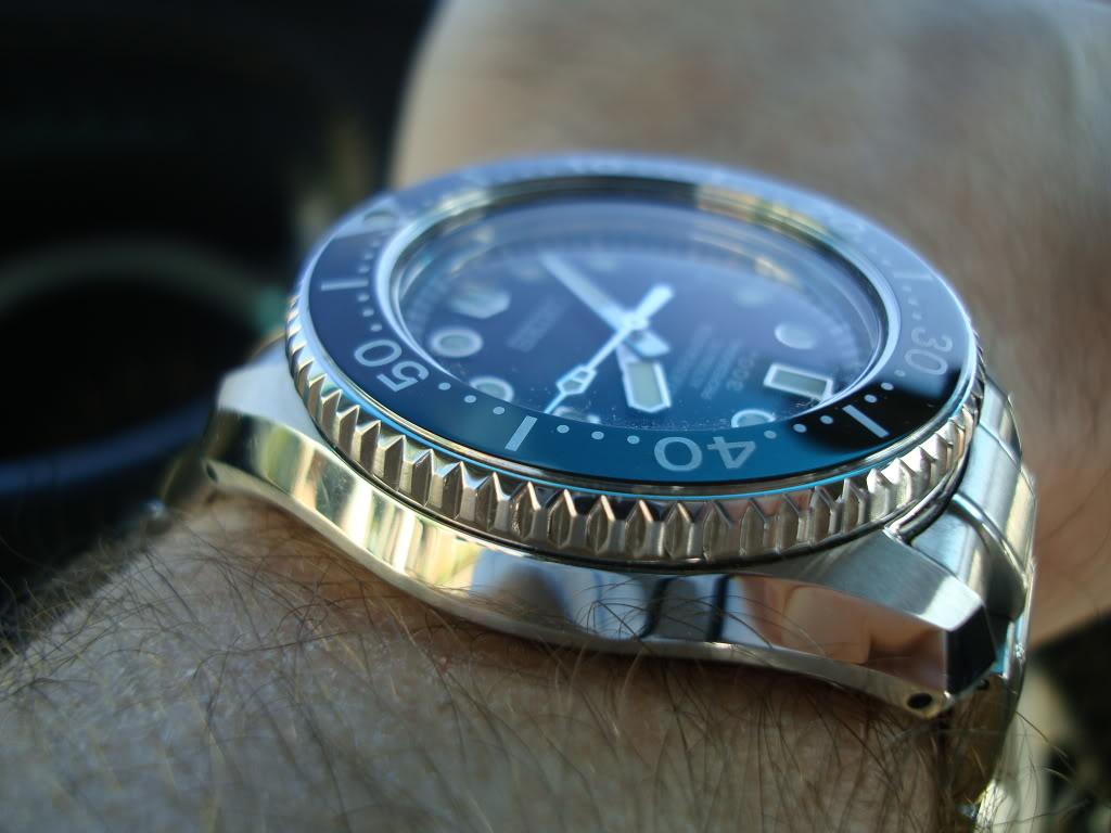 Watch Review: Seiko Marinemaster Professional 300m Diver (SBDX001)  DSC00428