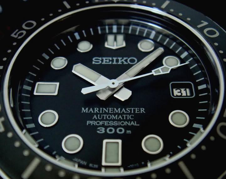 Watch Review: Seiko Marinemaster Professional 300m Diver (SBDX001)  Dial