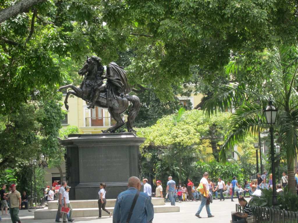 O vara comunista: Cuba si Venezuela. - Pagina 2 IMG_4487_zpsa7ab419b