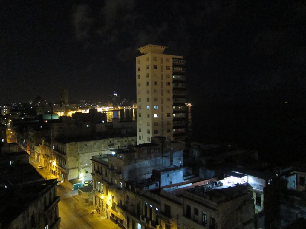 O vara comunista: Cuba si Venezuela. IMG_0359