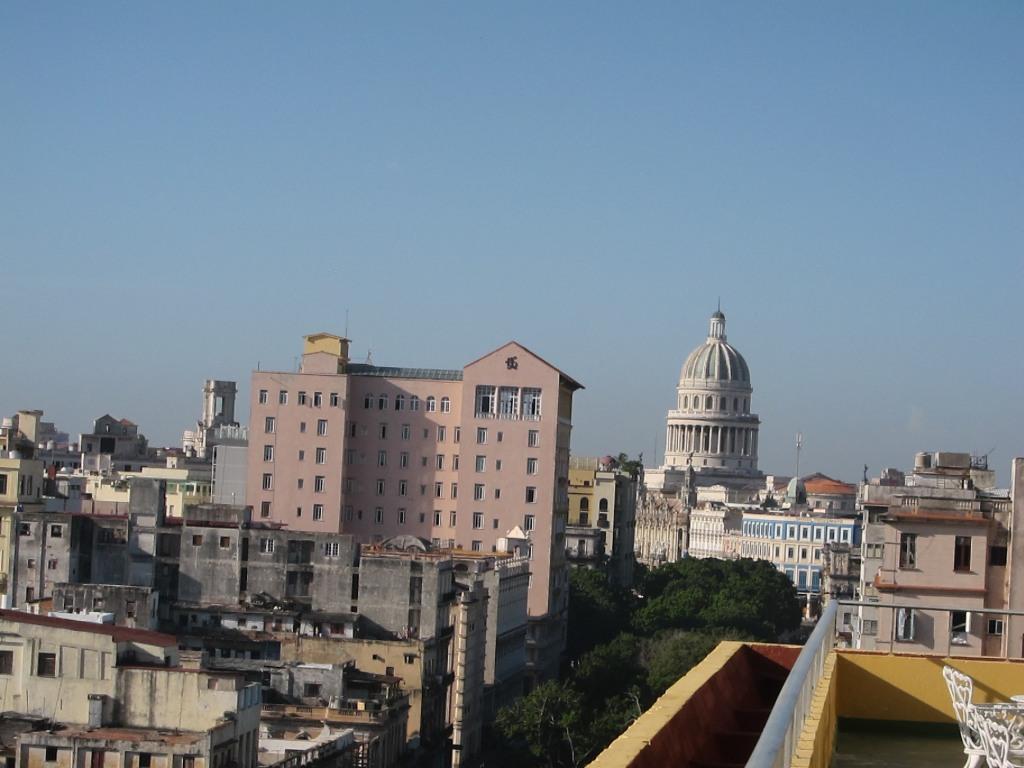 O vara comunista: Cuba si Venezuela. IMG_0385