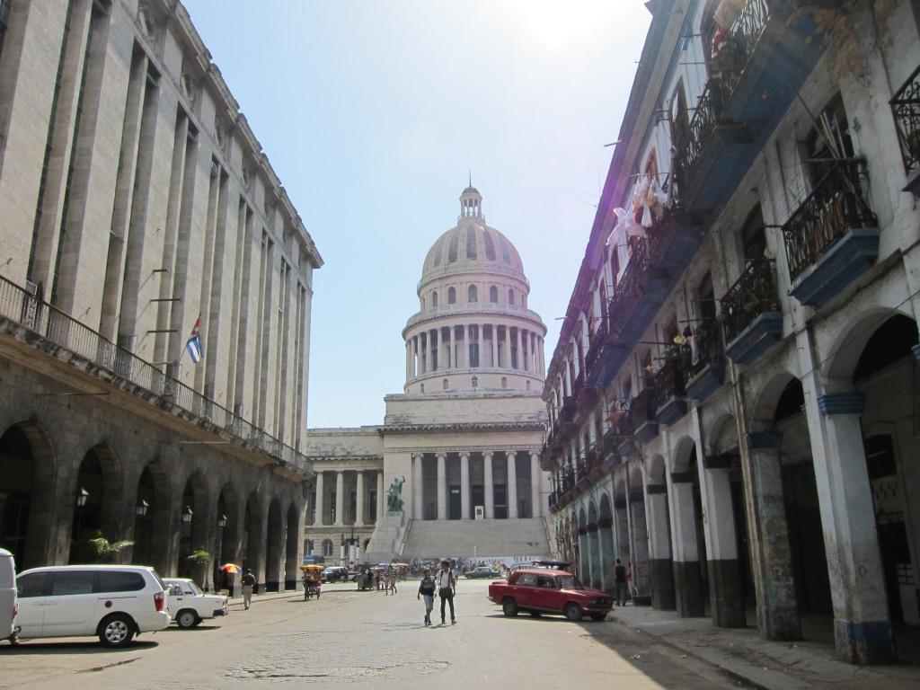 O vara comunista: Cuba si Venezuela. IMG_0504