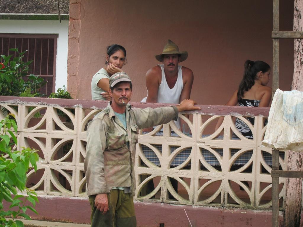 O vara comunista: Cuba si Venezuela. - Pagina 2 IMG_1830