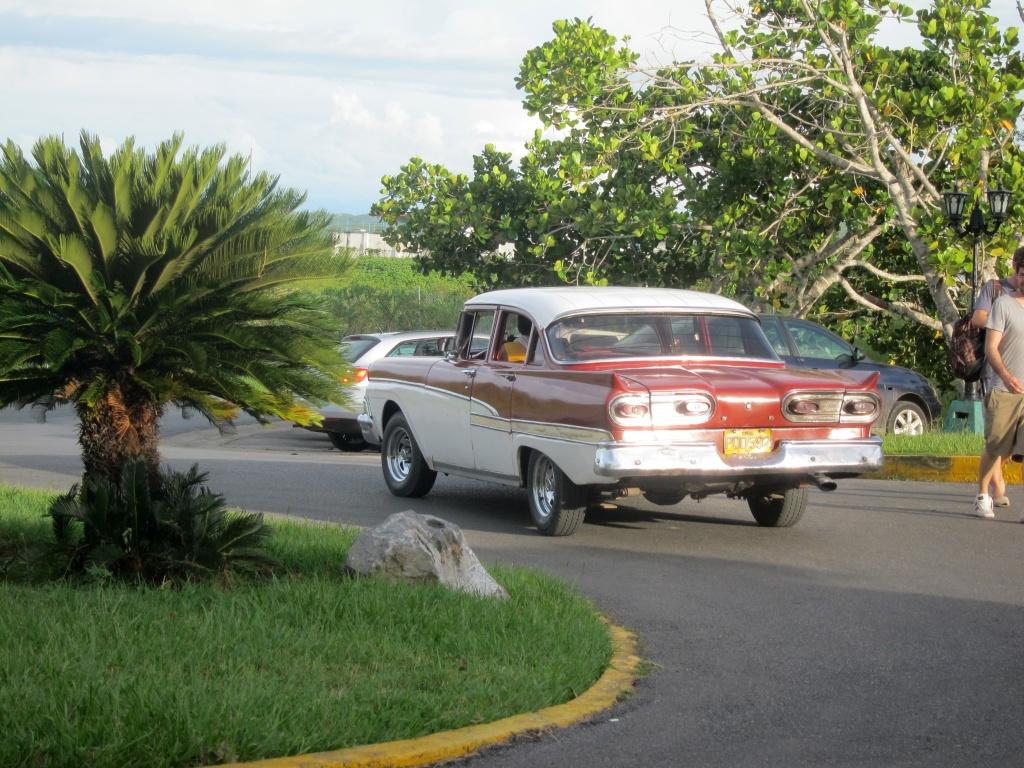 O vara comunista: Cuba si Venezuela. - Pagina 2 IMG_4015_zps7a534ea8