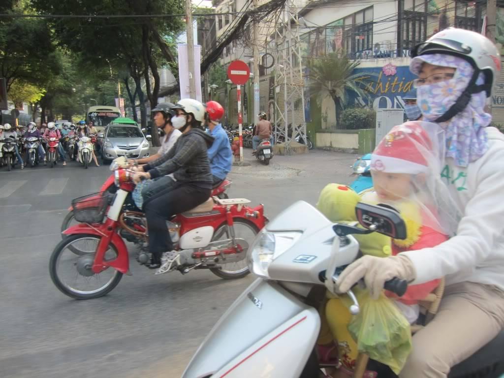 Sudul Vietnamului de revelion 2011/2012: OTP-KBP-SGN cu Aerosvit! IMG_1647