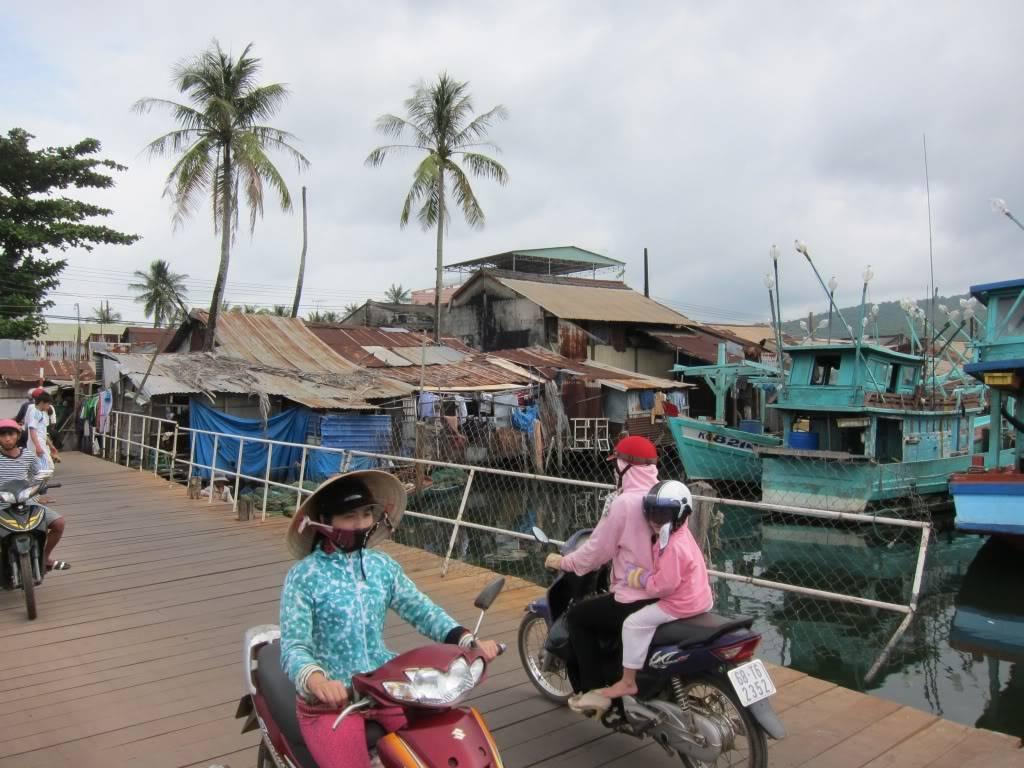 Sudul Vietnamului de revelion 2011/2012: OTP-KBP-SGN cu Aerosvit! IMG_2257
