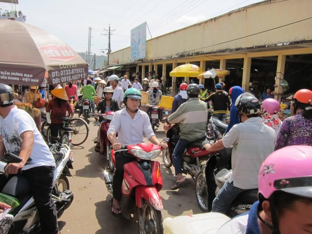 Sudul Vietnamului de revelion 2011/2012: OTP-KBP-SGN cu Aerosvit! IMG_2387
