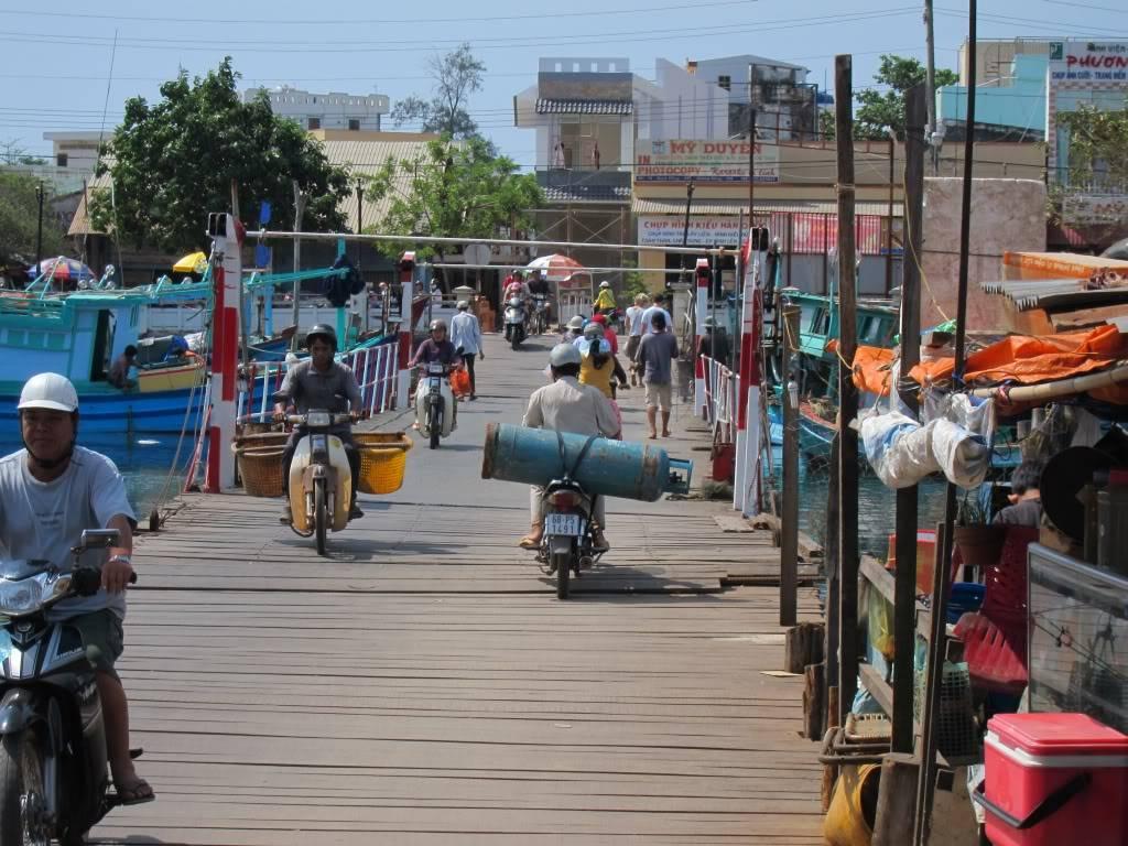 Sudul Vietnamului de revelion 2011/2012: OTP-KBP-SGN cu Aerosvit! IMG_2392