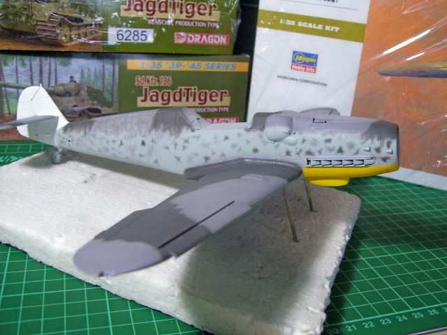 Messerschmitt Bf 109 G-6 Hasegawa 1/32 Alfred Grislawski - Página 2 AplicaciondecamuflageRLM7510
