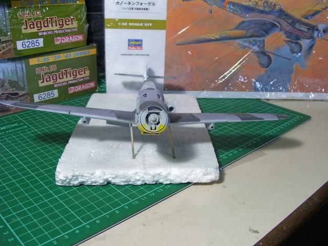 Messerschmitt Bf 109 G-6 Hasegawa 1/32 Alfred Grislawski - Página 2 AplicaciondecamuflageRLM7512