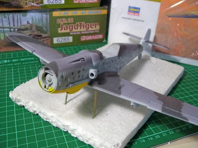 Messerschmitt Bf 109 G-6 Hasegawa 1/32 Alfred Grislawski - Página 2 AplicaciondecamuflageRLM7513