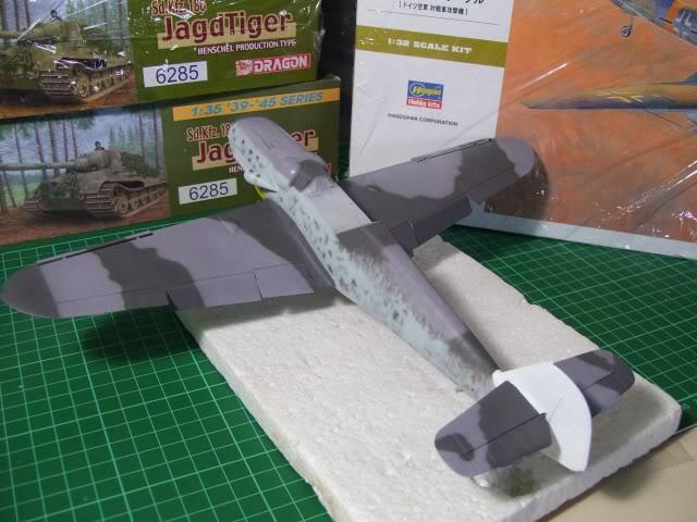 Messerschmitt Bf 109 G-6 Hasegawa 1/32 Alfred Grislawski - Página 2 AplicaciondecamuflageRLM756