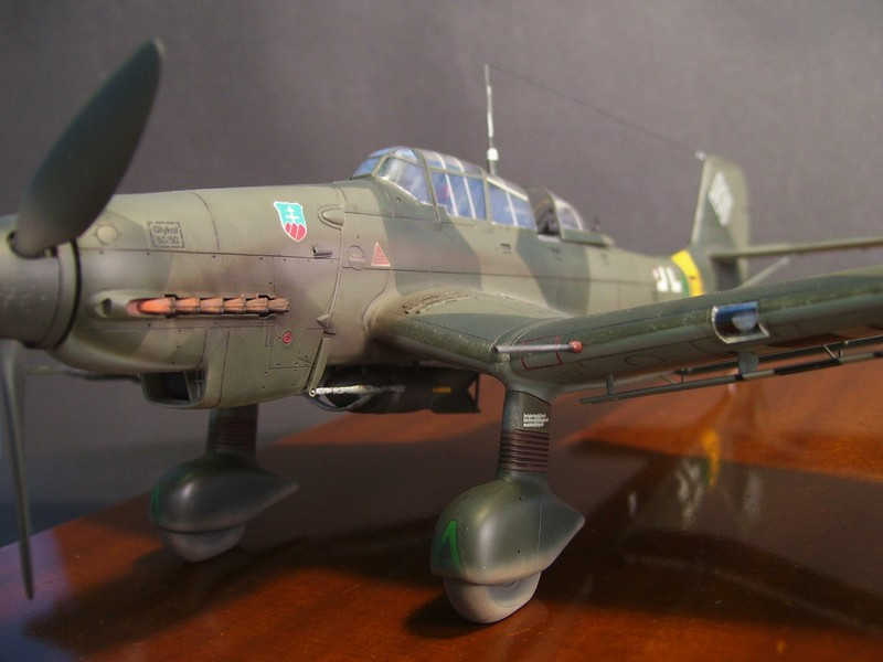 Junkers Ju-87 D-5 Stuka (Hasegawa 1/48). Ju87d5Stuka%2026