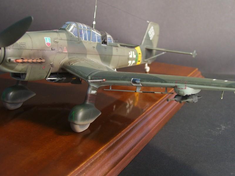 Junkers Ju-87 D-5 Stuka (Hasegawa 1/48). Ju87d5Stuka%204