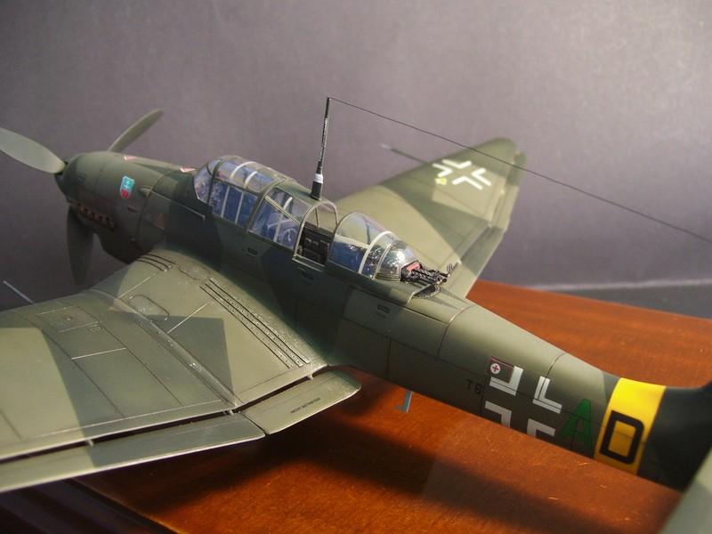 Junkers Ju-87 D-5 Stuka (Hasegawa 1/48). Ju87d5Stuka%208