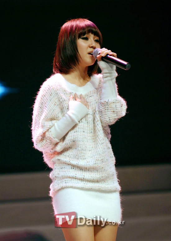 All about Min - Page 2 MissASamsungAnycallmissAChinaShowcase10112214