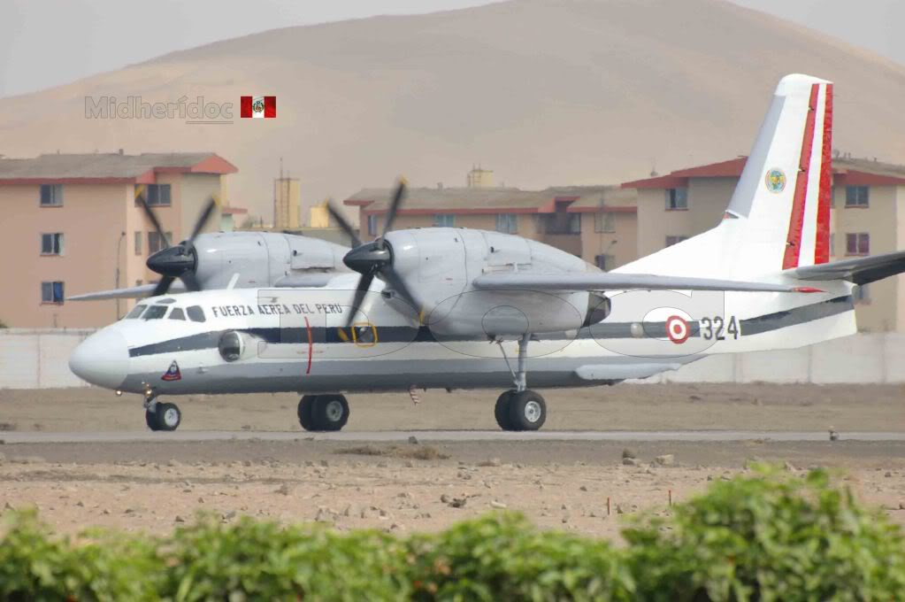 Antonov An-32 LasPalmas2010-varios9
