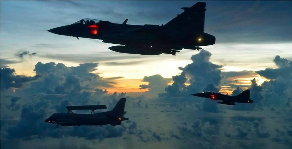 """Gripen NG para la FAA: """"los obstáculos internos"""" - Página 2 Cal_Nov_zps571807fc"""