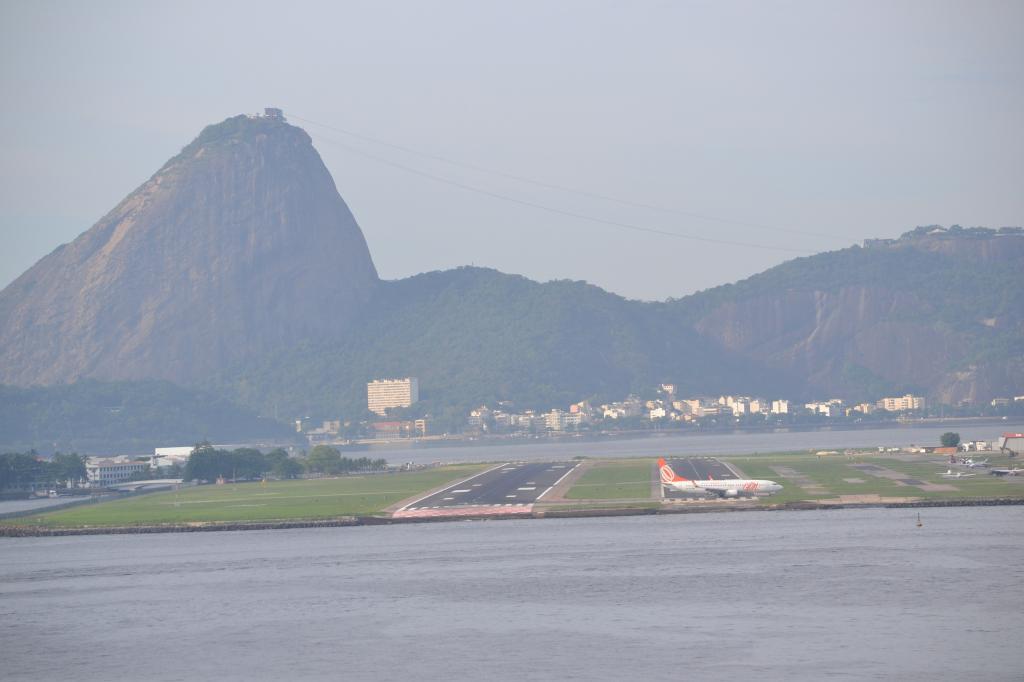 Río de Janeiro (Portaaviones , Aviones y más...) MSCPOESIA184_zpsb4cdcecd