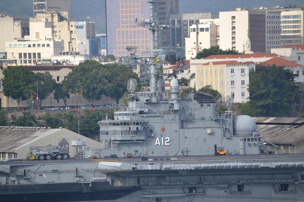 Río de Janeiro (Portaaviones , Aviones y más...) MSCPOESIA185_zps3868bbe5