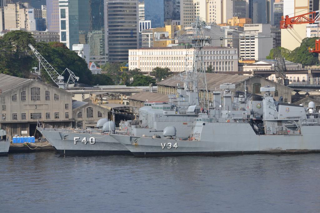 Río de Janeiro (Portaaviones , Aviones y más...) MSCPOESIA190_zpsfec1bdce