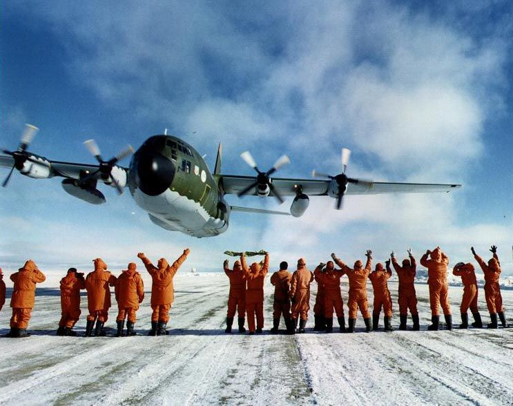 Lockheed C-130 Hercules (avión de transporte táctico medio/pesado USA) C38d0ed0ea04bfabf5a959d504e7e28b_zps0113eeeb