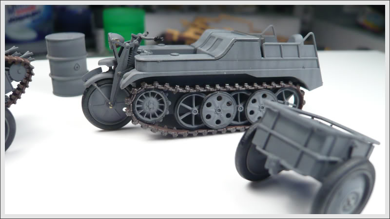 Kettenrad et ses remorques  [Tamiya  1:48] Panzer_04003-1