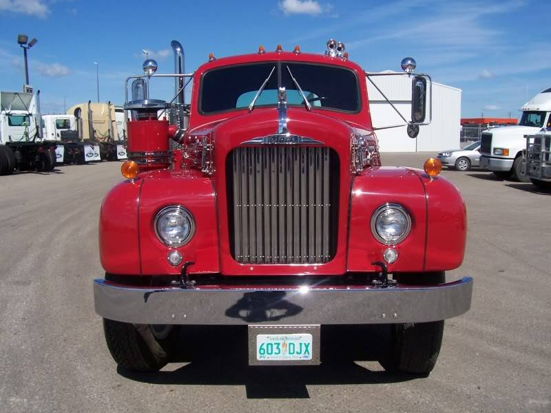 In2Trux li collection of rides 1957Mack