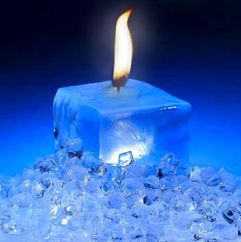 غرائب وعجائب Icecubecandle