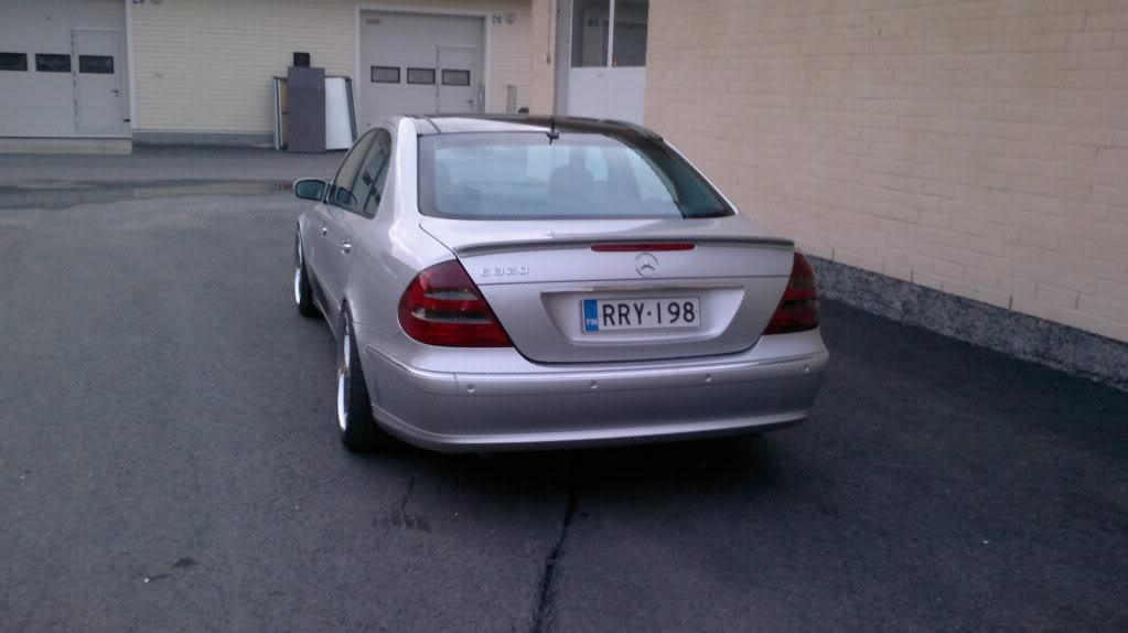 Mercedes w211 e320 benzin 08042011184