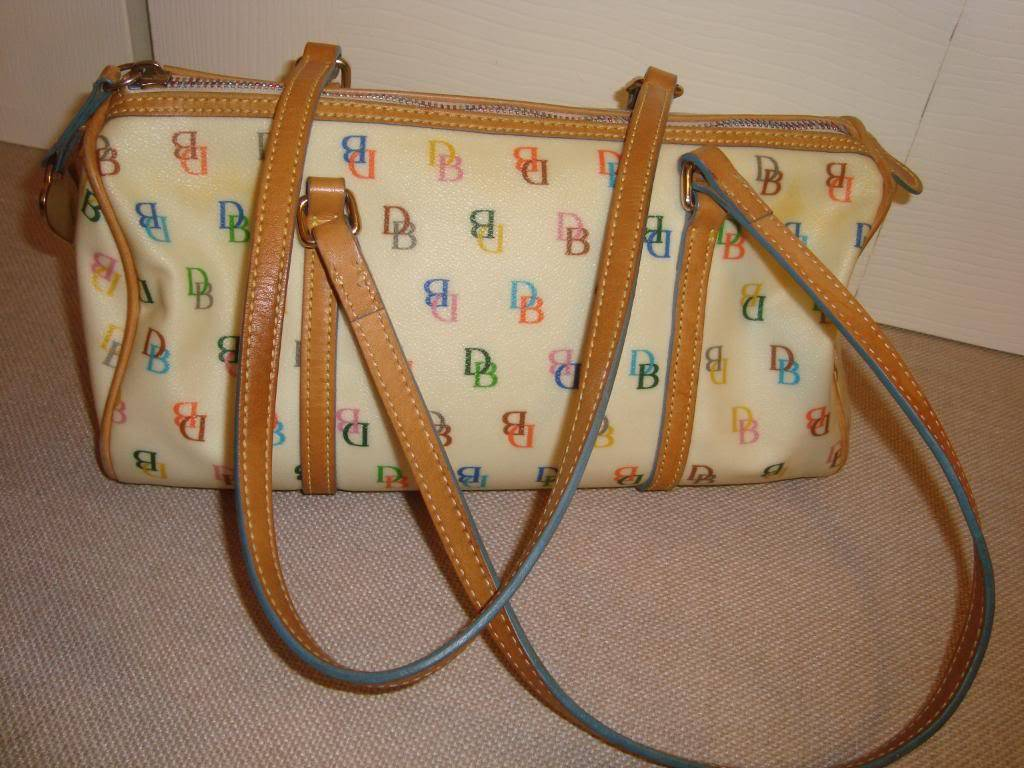 Marie's Bag Showcase Closet036