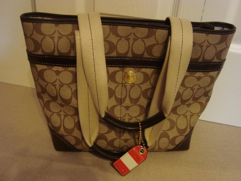 Marie's Bag Showcase Closet039