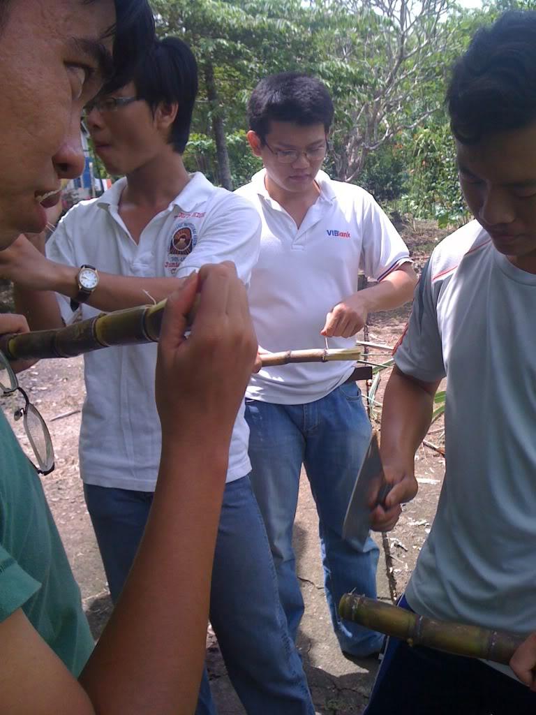 Một ngày xuống nhà Thái sư phụ 17/8/2011 IMG_0743