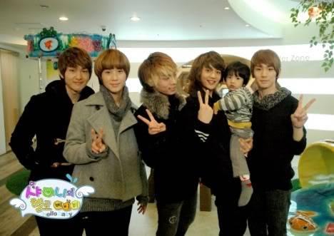 Pic nữa đây Shinee_hellobaby_180110_1