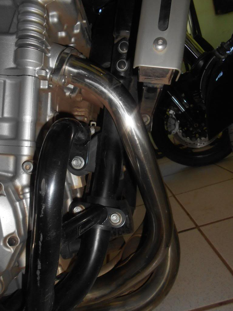 Instalando Slider na Bandit 1250 2009 DSCN3975_zpsfd59e2f2