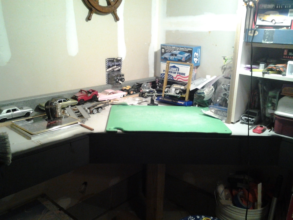 My new Workbench - $0 in material costs IMG_20151024_182734