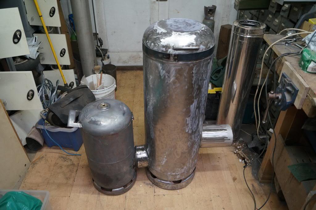 My first rocket stove space heater DSC02242_zps80d890ce
