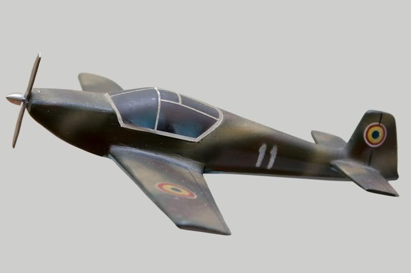 IAR-823 IAR-823-2