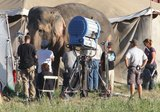 Water for Elephants : Photos  + Vidéos du tournage... - Page 10 Th_WFESet23