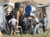 Water for Elephants : Photos  + Vidéos du tournage... - Page 10 Th_WFESet29