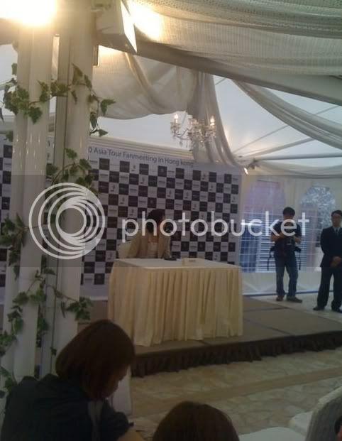 Conferencia de prensa en Hong Kong 1-11