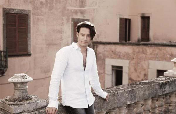 A Message From Urs..   Posted On Main Page of IL DIVO Official Site 310130_1804816619182_1802904579_1137704_1427965452_n