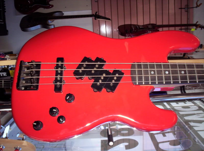 ESP Prototype Bass wiring curiosity? 471_1228